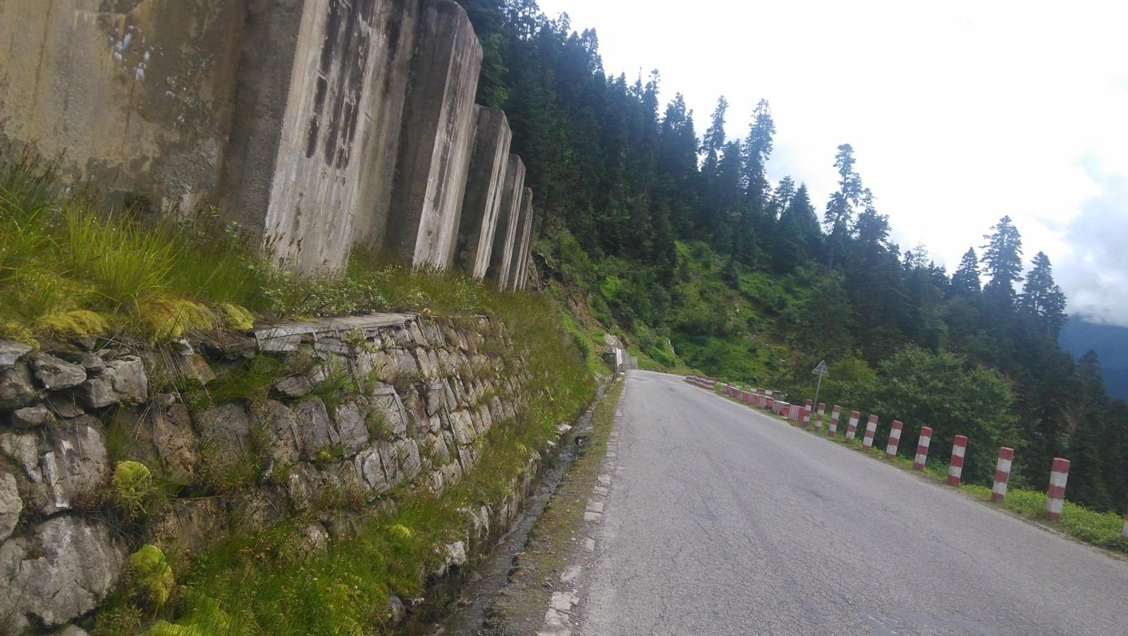 固山的水泥墩